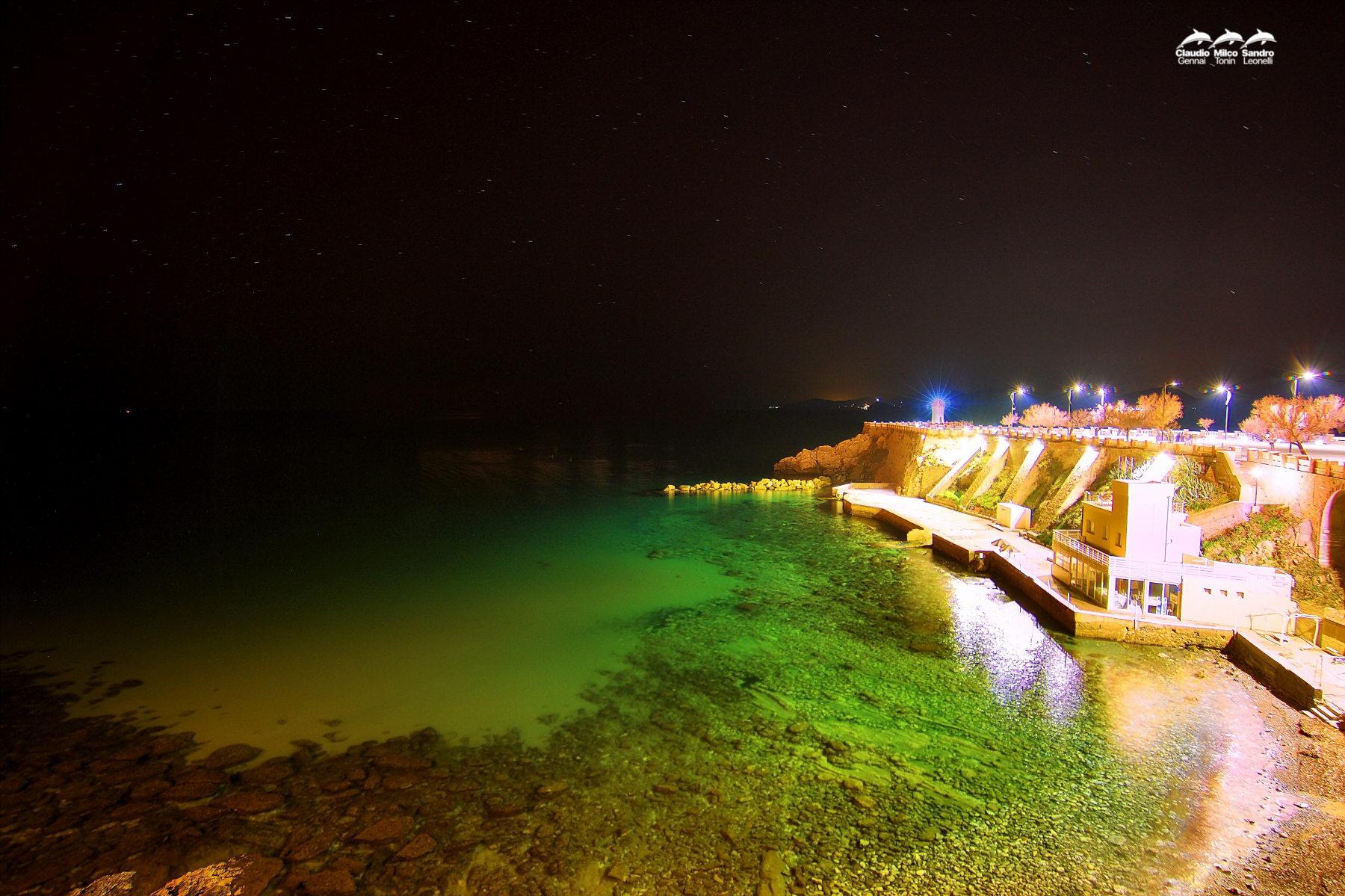 Piazza Bovio di notte