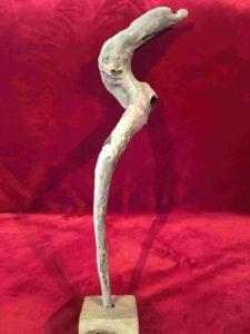 """legni di mare - scultura intitolata """"Scalmo di gondola veneziana"""" - autore -sandro Vischia"""