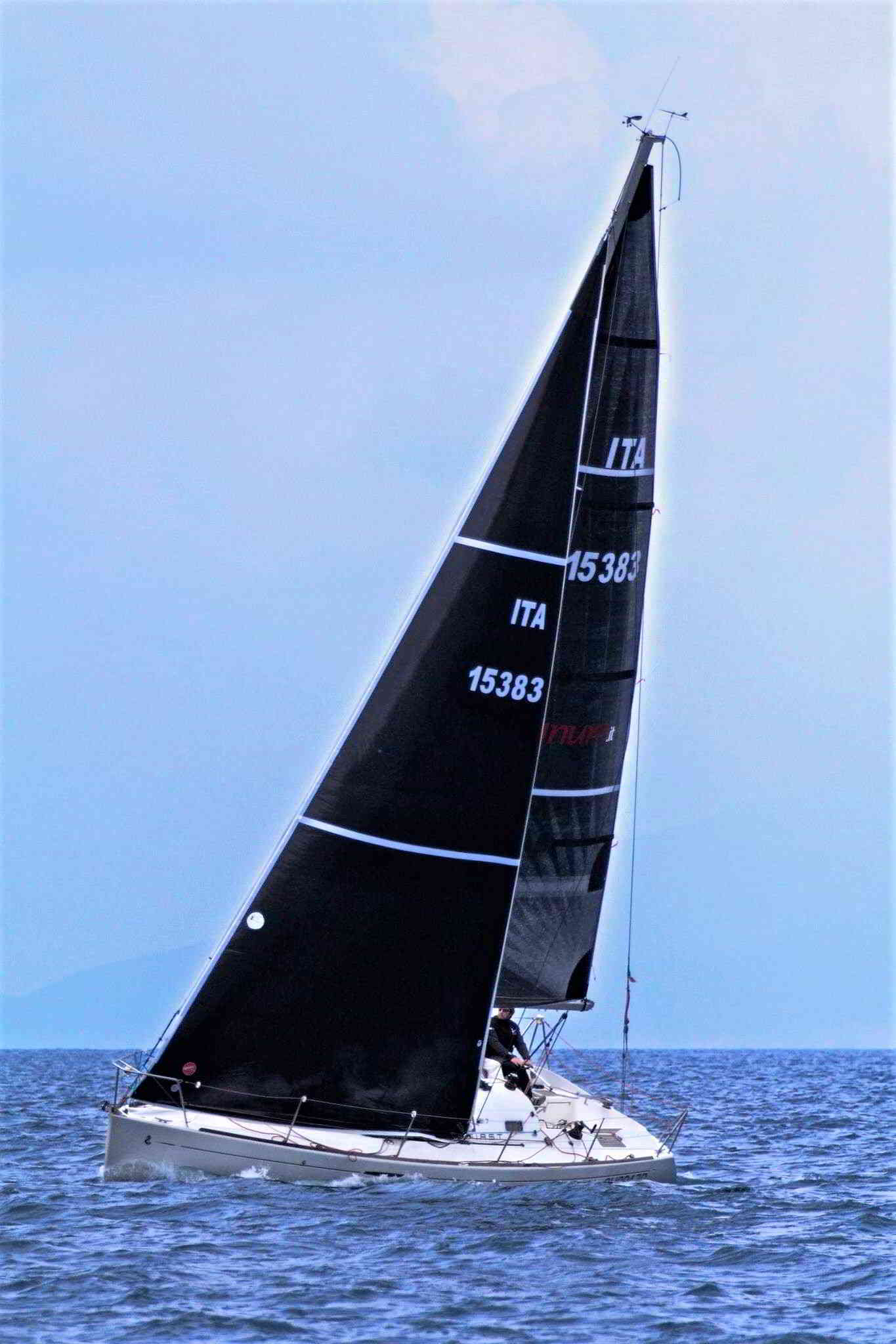 Foto del First 31.7 in regata