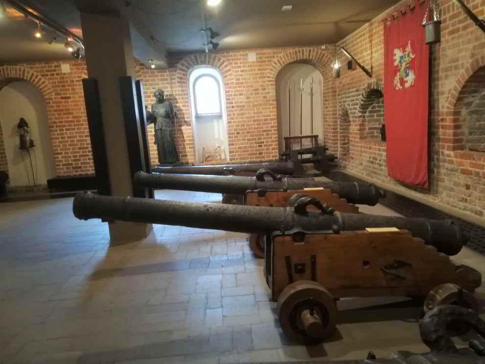 cannoni antichi museo navale danzica