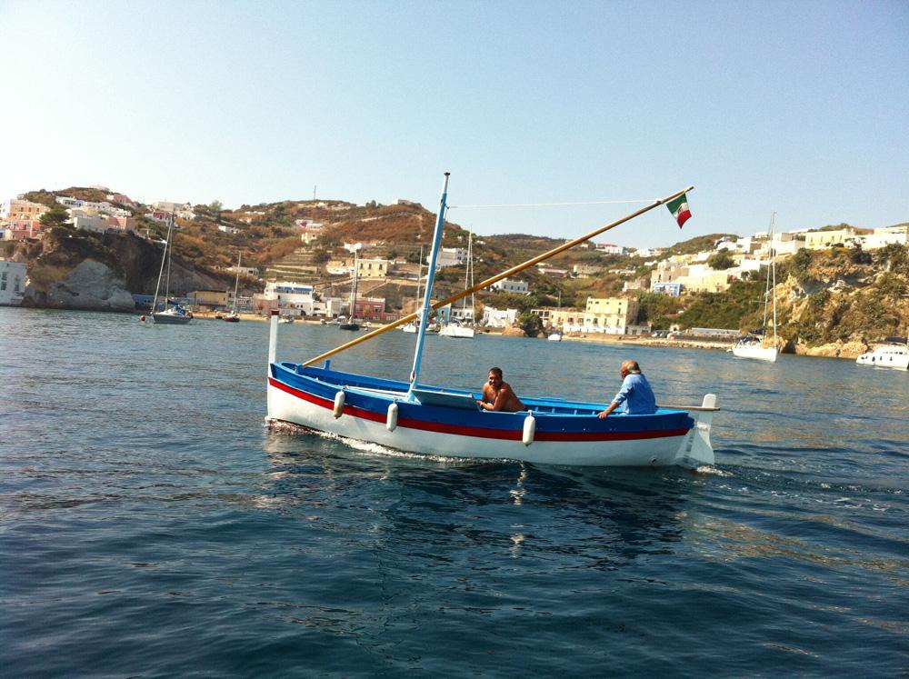 filuga ponzese - barca tradizionale di ponza